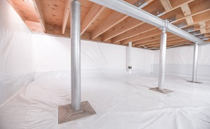 Crawl space structural support jacks installed in Dallas